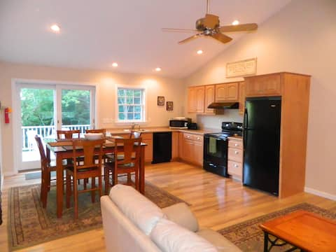 Deer Meadow Farm: spacious 2 bedroom apartment