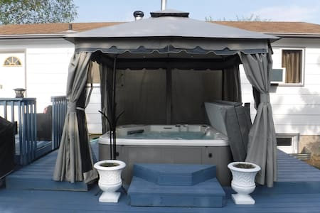 Occassions Inn Spa Suite w/t Separate Entrance