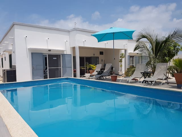 La villa JAJA. Piscine-Climatisation.