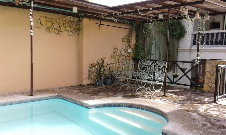 Don Pedro Suites Bed and Breakfast with Pool