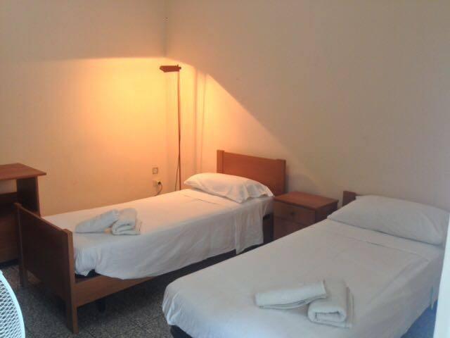 Via Padova Room 2
