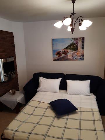 Καναπές πιο άνετος από κρεβάτι !!!
