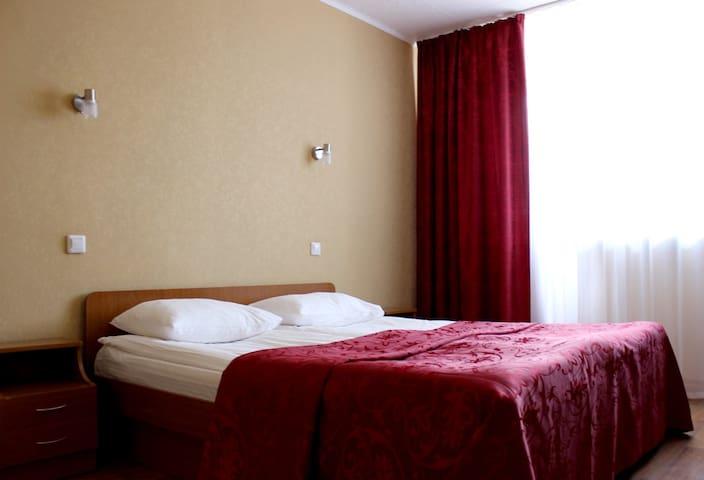 Стандарт двухместный с одной двухспальной кроватью