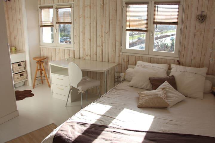 """Chambre """"studio"""" proche Bordeaux"""