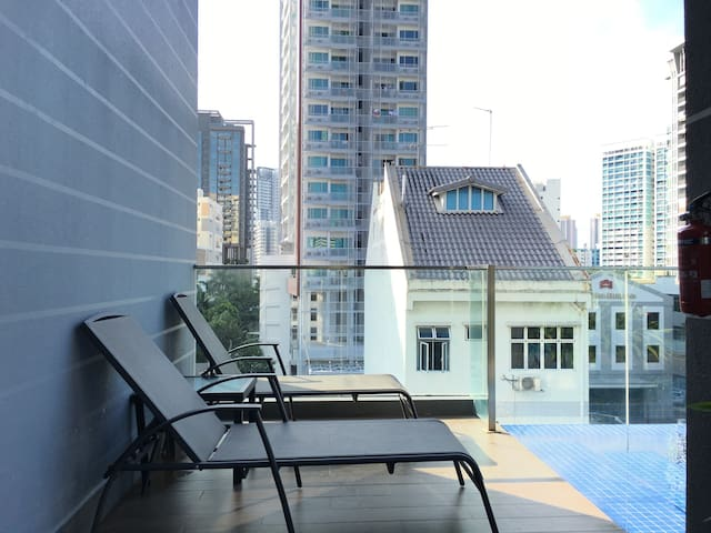 2 bedroom perfect city condo apartment pool 8c18 appartements louer singapour singapour. Black Bedroom Furniture Sets. Home Design Ideas