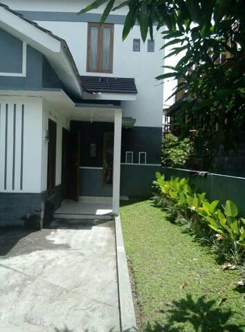 Guesthouse Murah & Nyaman di Jogja - Sleman - Hus