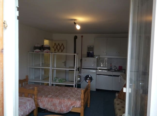 Studio for rent, ideal for EXITFEST - Petrovaradin - Apartamento
