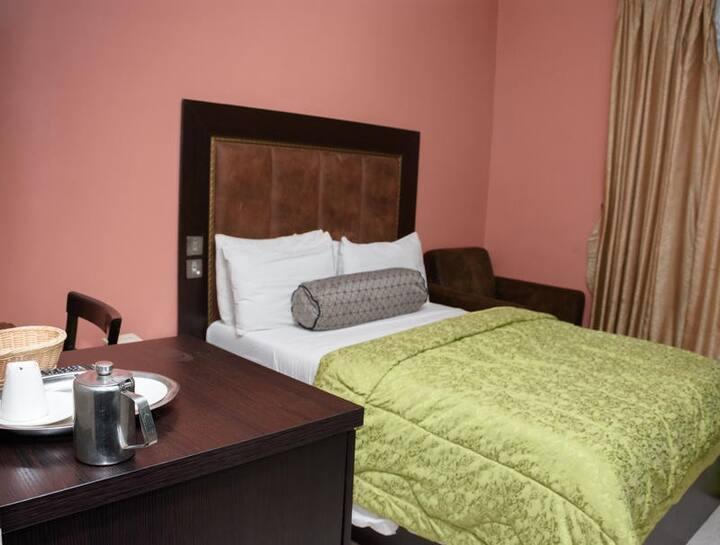 Hard Break Hotel - Standard Room