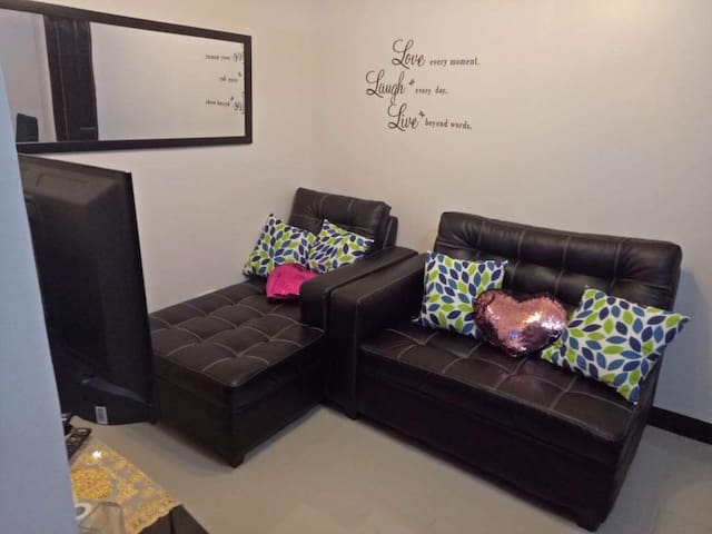 Fully Furnished unit for monthly rental