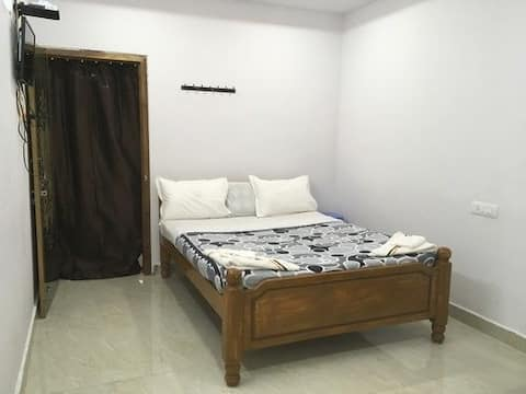 Jayaram Residency Srikalahasti- King Suite