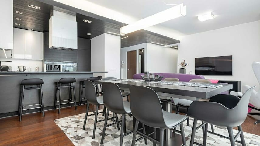 Luxury Apartment with BBQ zone