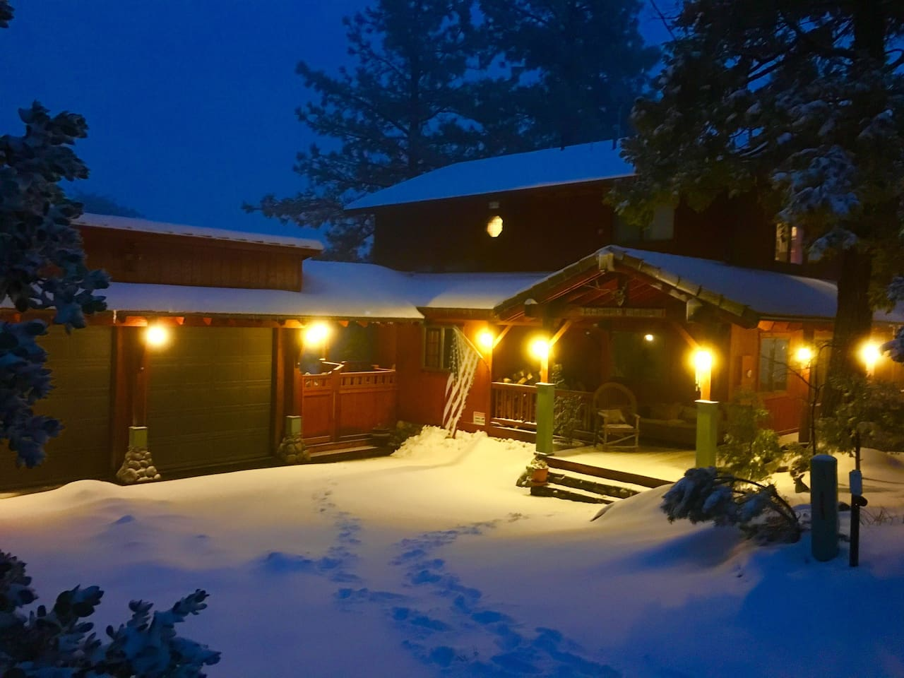 Entrance to Lookout Lodge in the snow