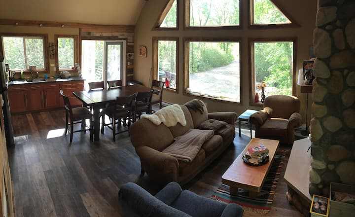 Beautiful new summer and winter cottage!