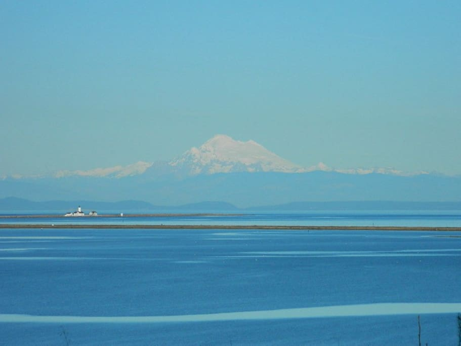 Beautiful Mt Baker in distance