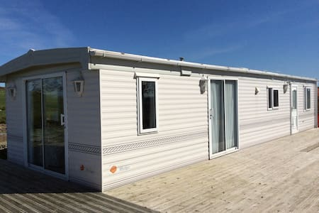 Luxury caravan, sea views, peaceful, - Rhos-y-bol - Andere