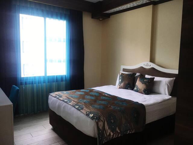 Merada Suite Otel Oda Kahvaltı Suite Oda 4 kişilik