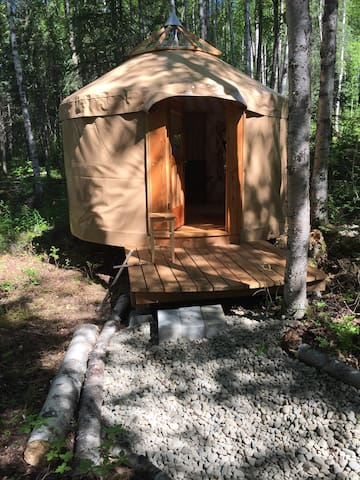 Peaceful Yurt - Off the Grid
