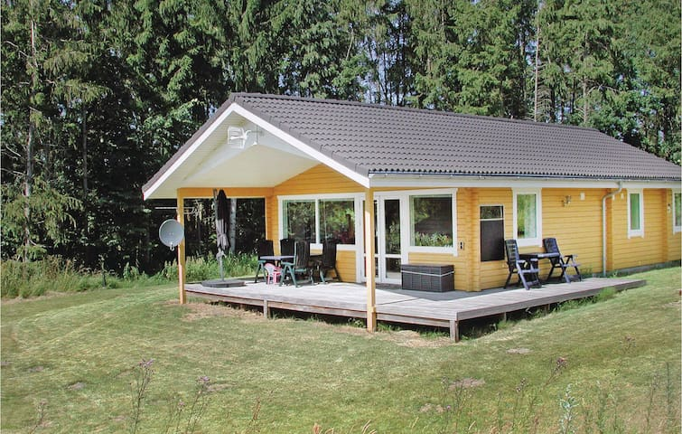 Holiday cottage with 3 bedrooms on 77m² in Kolind