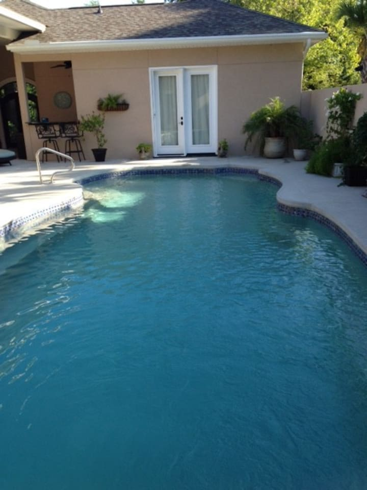 Outdoor pool- shared with owners