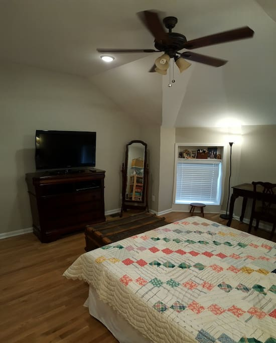 Victorian Queen Bedroom Bath Kitchenette Houses For Rent In Louisville Kentucky United States