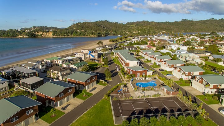Oceans Haven on the resort- with sea views