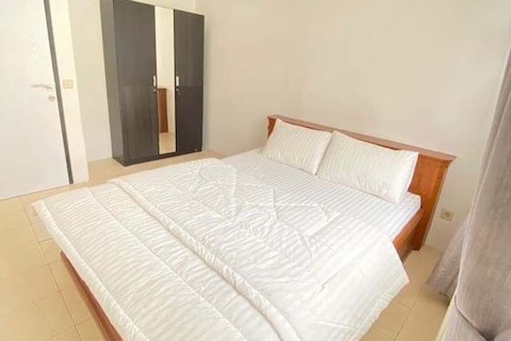 Newly Renovated Condo @Lippo Village 8 min to Mall