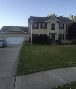 Comfy home near lake30 min from CLE - Mentor - Dom