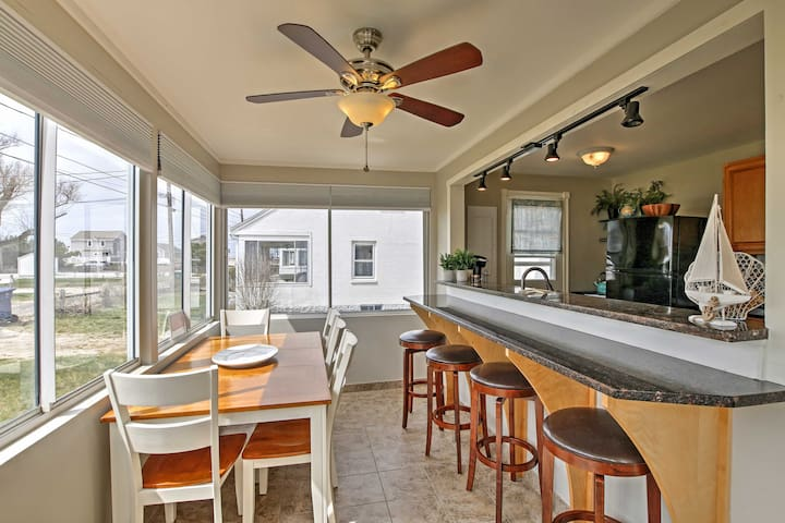 NEW! 3BR Old Lyme Cottage - Steps from the Beach!