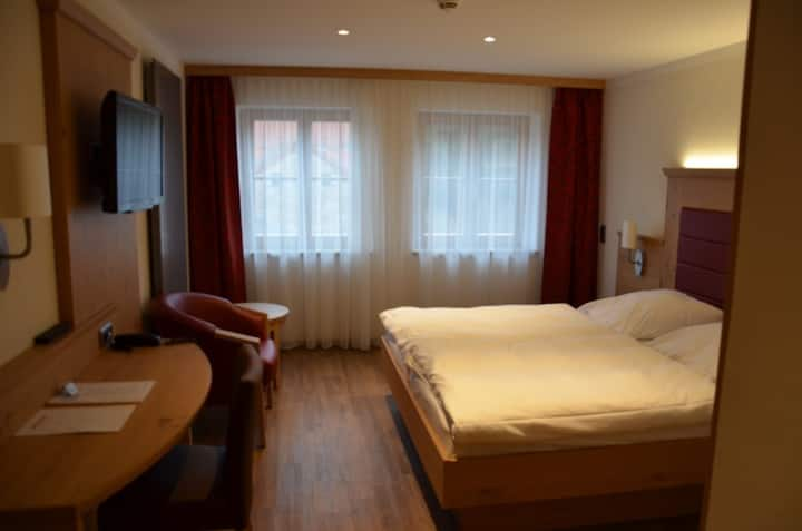 Zum Dallmayr Hotel Garni (Berching), Doppelzimmer - kostenfreies WLAN