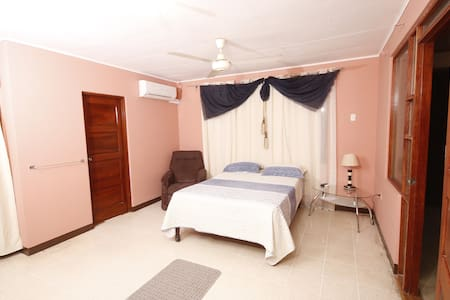 Room & Studio - Cuidad Blanca, Family and Sun - Liberia