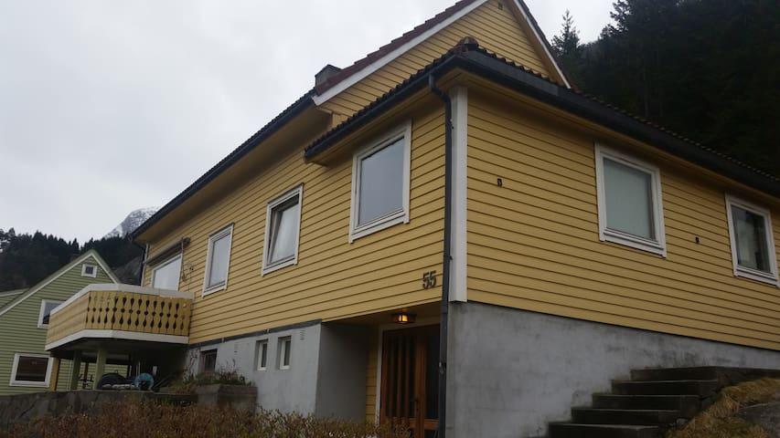 Rødna Apartment near Trolltunga - Odda - Appartement