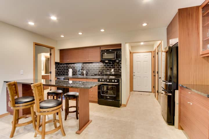 Modern, luxury condo with easy access to downtown and river trails!