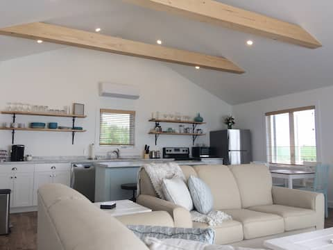 NEW! Little Harbour Waterview Cottage