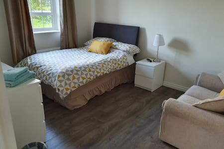 Beautiful, clean apt ready for your country stay!