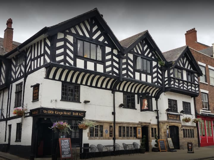 Ye Olde, Chester Famously Haunted, Sumptuous Inn