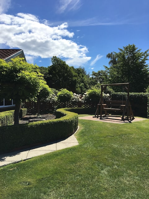 Yelverton  Cottage - Private Luxury