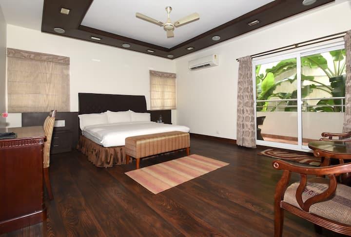 Private Room in Ulsoor lake , Bangalore - USRPB1
