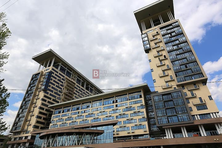 Large 130m new appartment with panoramic window