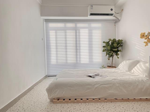 智能体验电动窗帘可设置遮光及透光模式