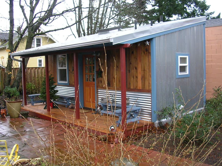 Starlight cabin cottages for rent in portland oregon for 200 sq ft deck