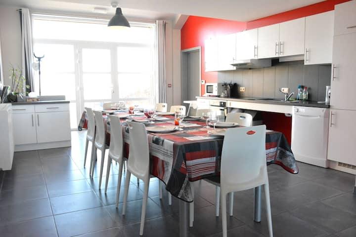 Geräumiges Ferienhaus in Bastogne mit Whirlpool