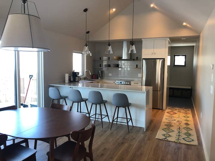 """The """"Fox Box"""": new guesthouse in downtown Bozeman"""
