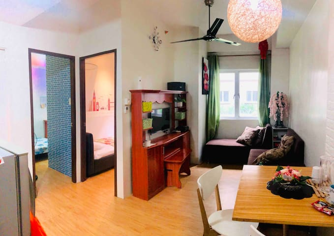 2BR Resort Condo near NLEX Valenzuela w parking