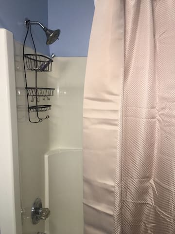 Comfy & Cozy Private 1 Bedroom in Southwestern CT!