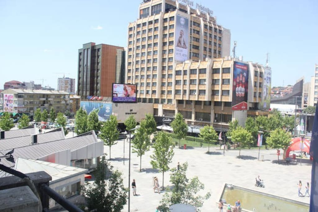 View from the apartment facing the city center or Hotel Grand more precisely during the day