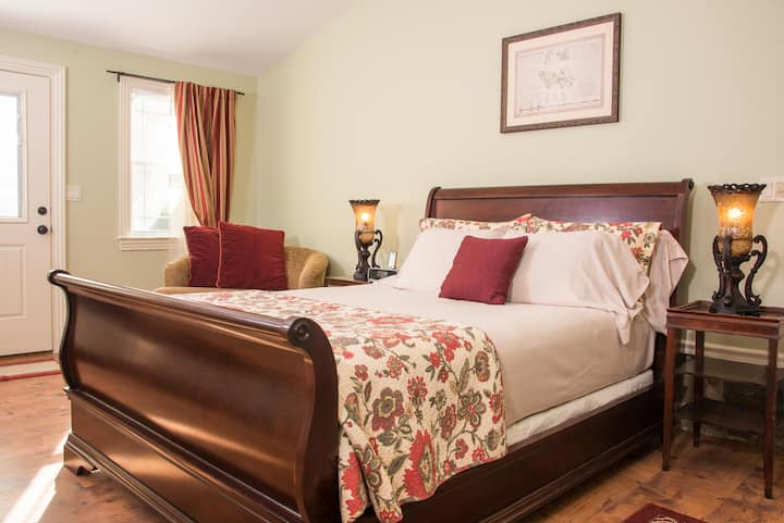 Freedom Road - Caldwell House Bed & Breakfast