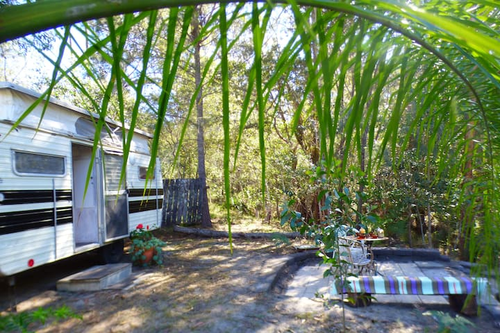 Romantic Caravan- Yamba hinterland bush retreat