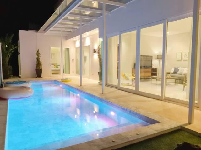 300方 私人按摩泳池 3房豪华别墅 卡玛拉海滩