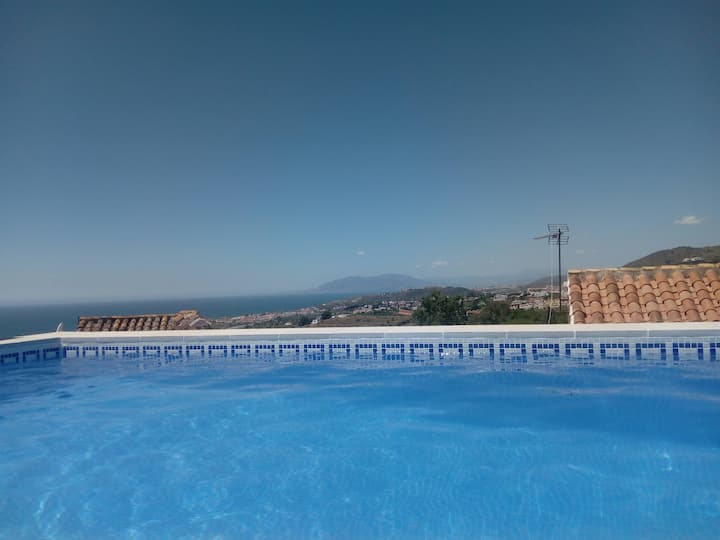 Spectacular views. Countryside & beach. Pool