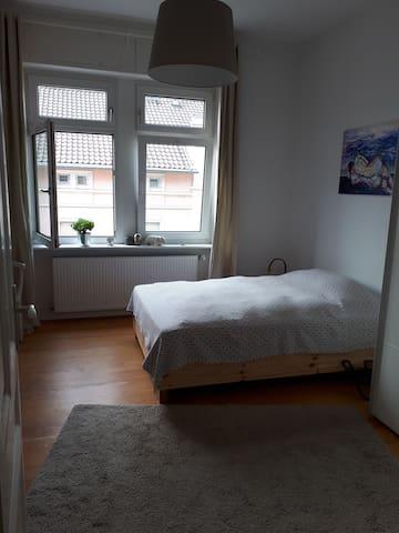 Das Zimmer mit einem 140x200cm - Bett